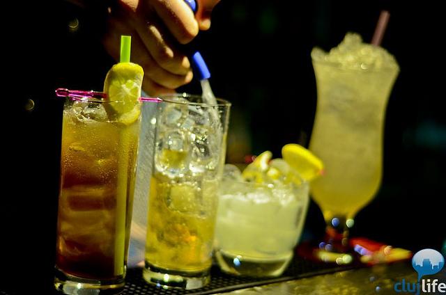 Poze: Aria Blue @ Elements Cocktail Bar