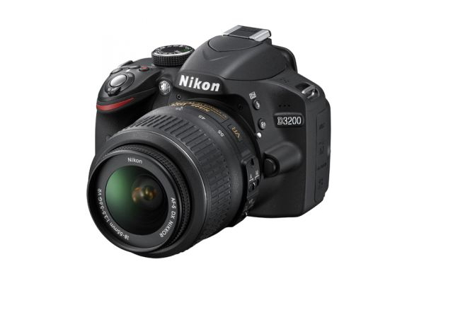 Review: Nikon D3200 + WU-1a