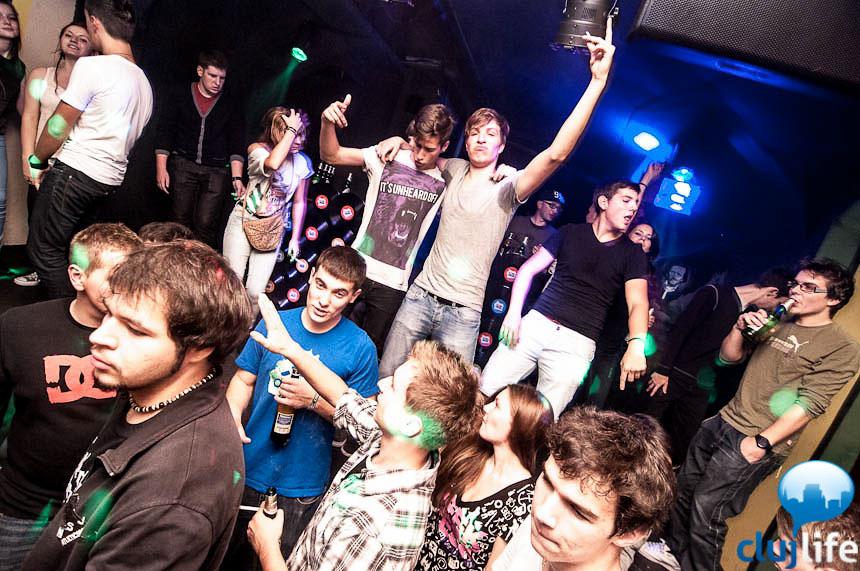 Poze: L8R H8R @ Flying Circus Pub
