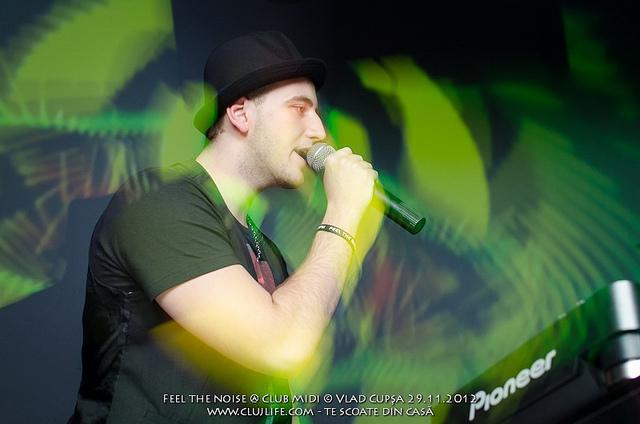 Poze: Feel the noise @ Club Midi