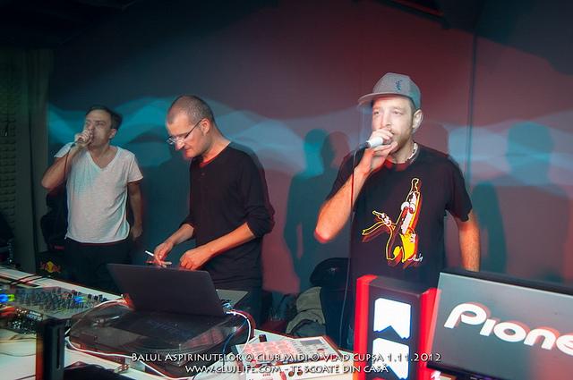 Poze: Suie Paparude @ Club Midi