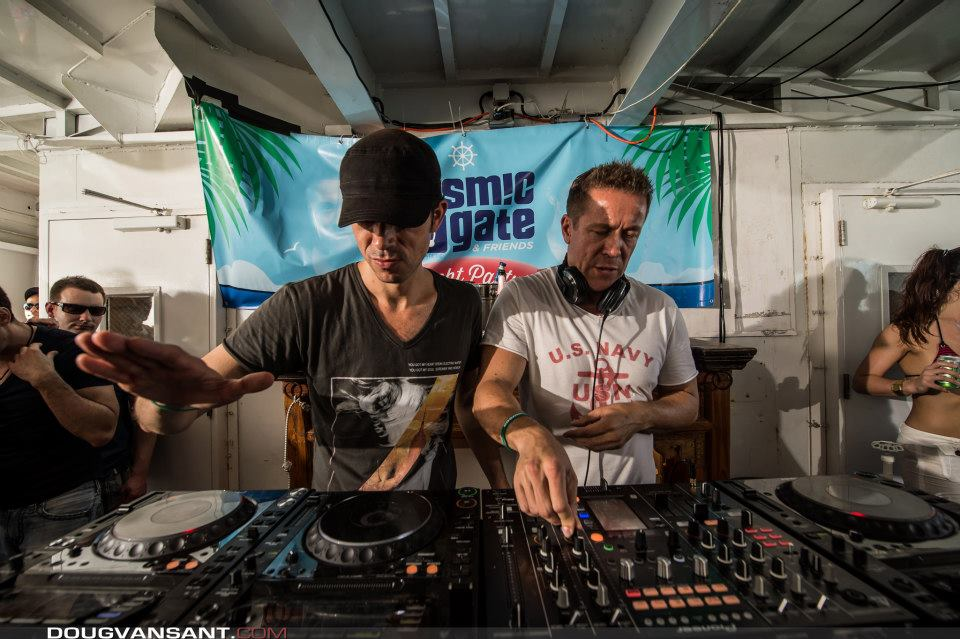 Cosmic Gate, Stereo MCs vs BAM @ Peninsula 2013