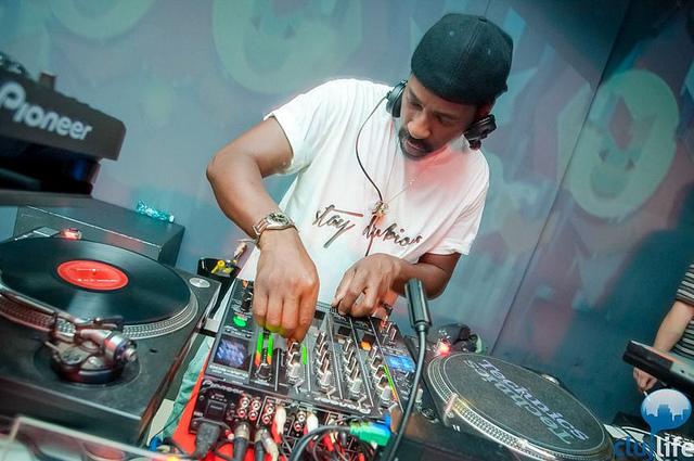 Poze: Gorillaz Sound System @ Club Midi