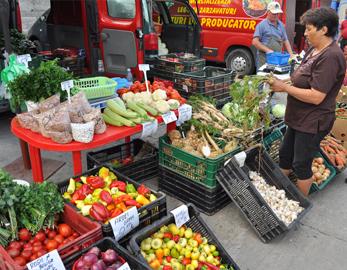 Piață volantă în cartierul Grigorescu