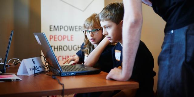 100 de copii și-au animat poveștile la #SuperCoders