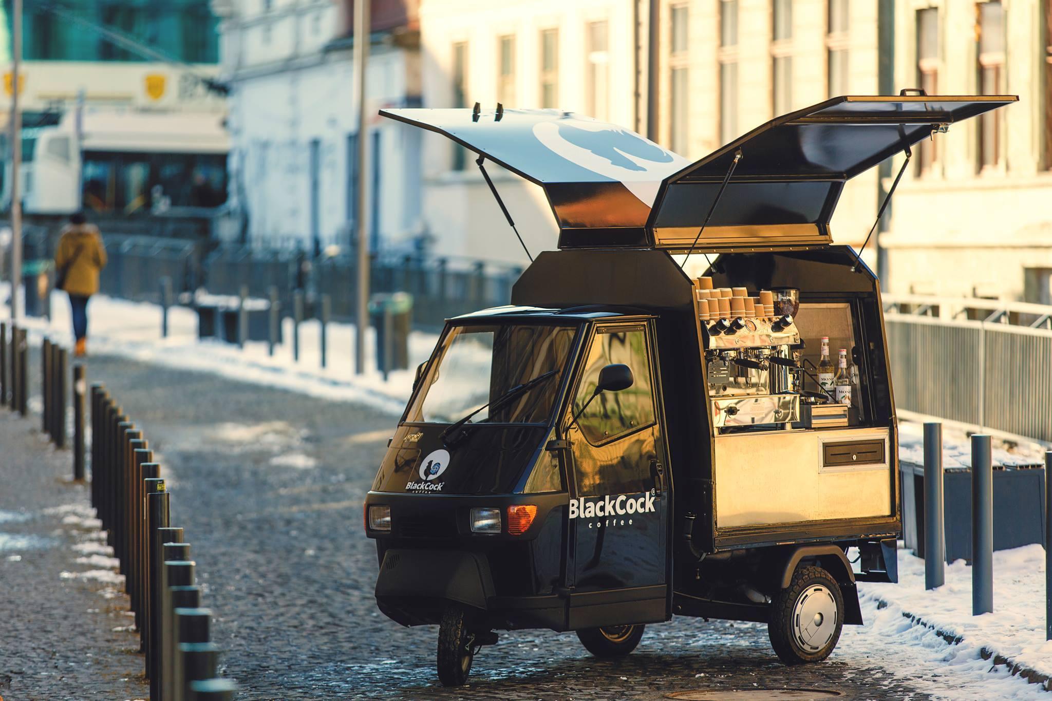 Black Cock Coffee: cum a ajuns cocoșul să ne trezească în oraș