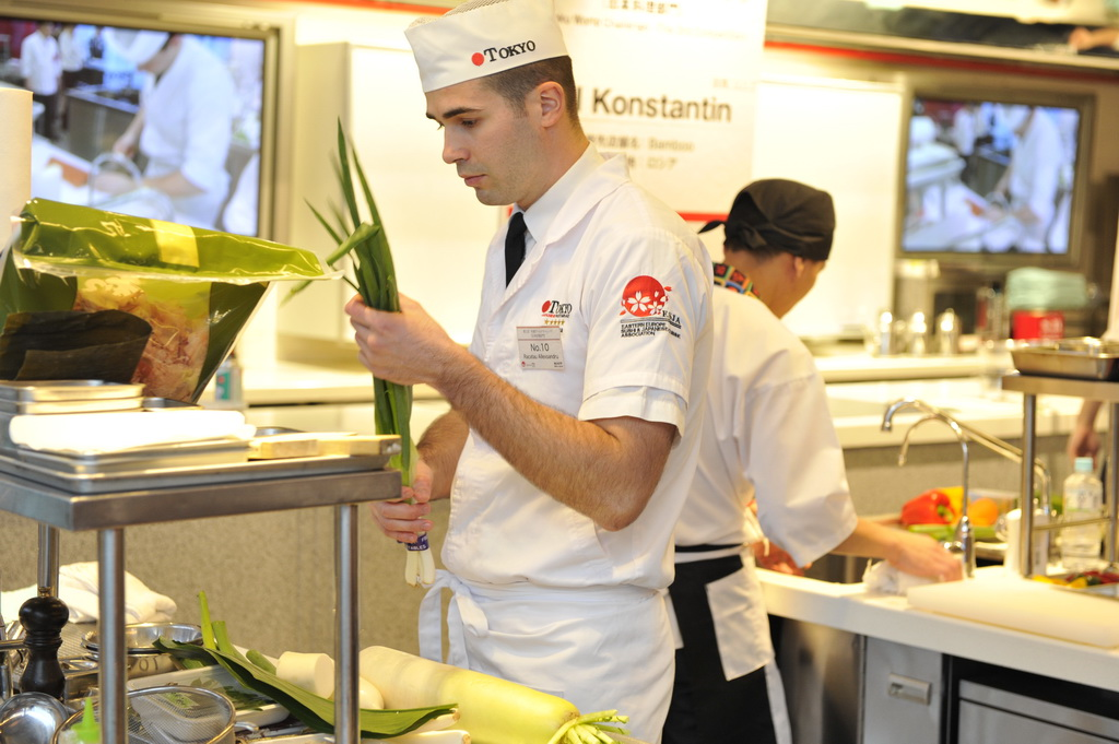 Interviu cu Chef Alexandru Răcătău (Restaurant Tokyo)
