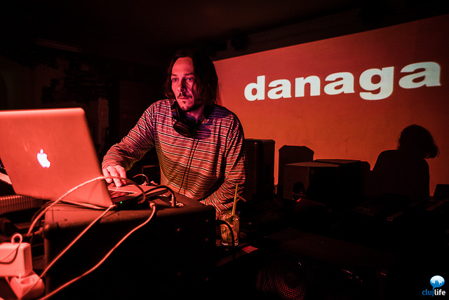 Poze: Über Party cu Danaga @ The Shelter