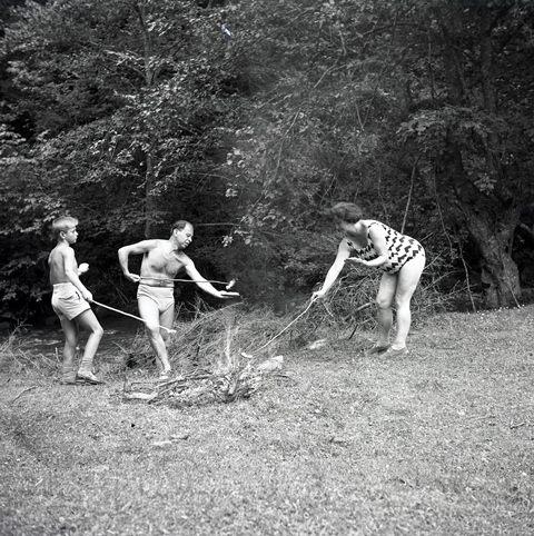 Povestind imagini / Imaginând povești @ Domino