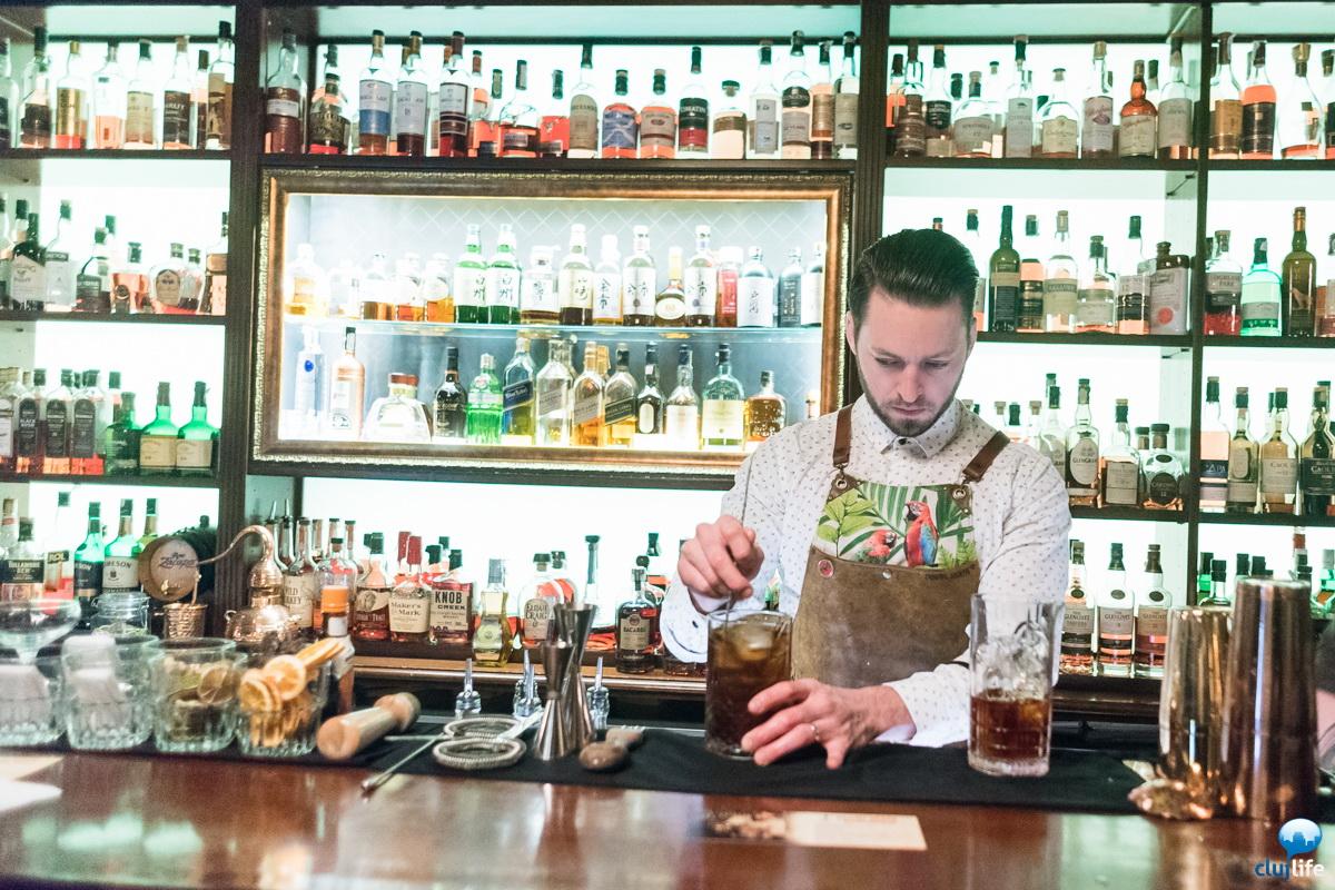 Poze: Guest bartending with Denzel Heath @ Charlie
