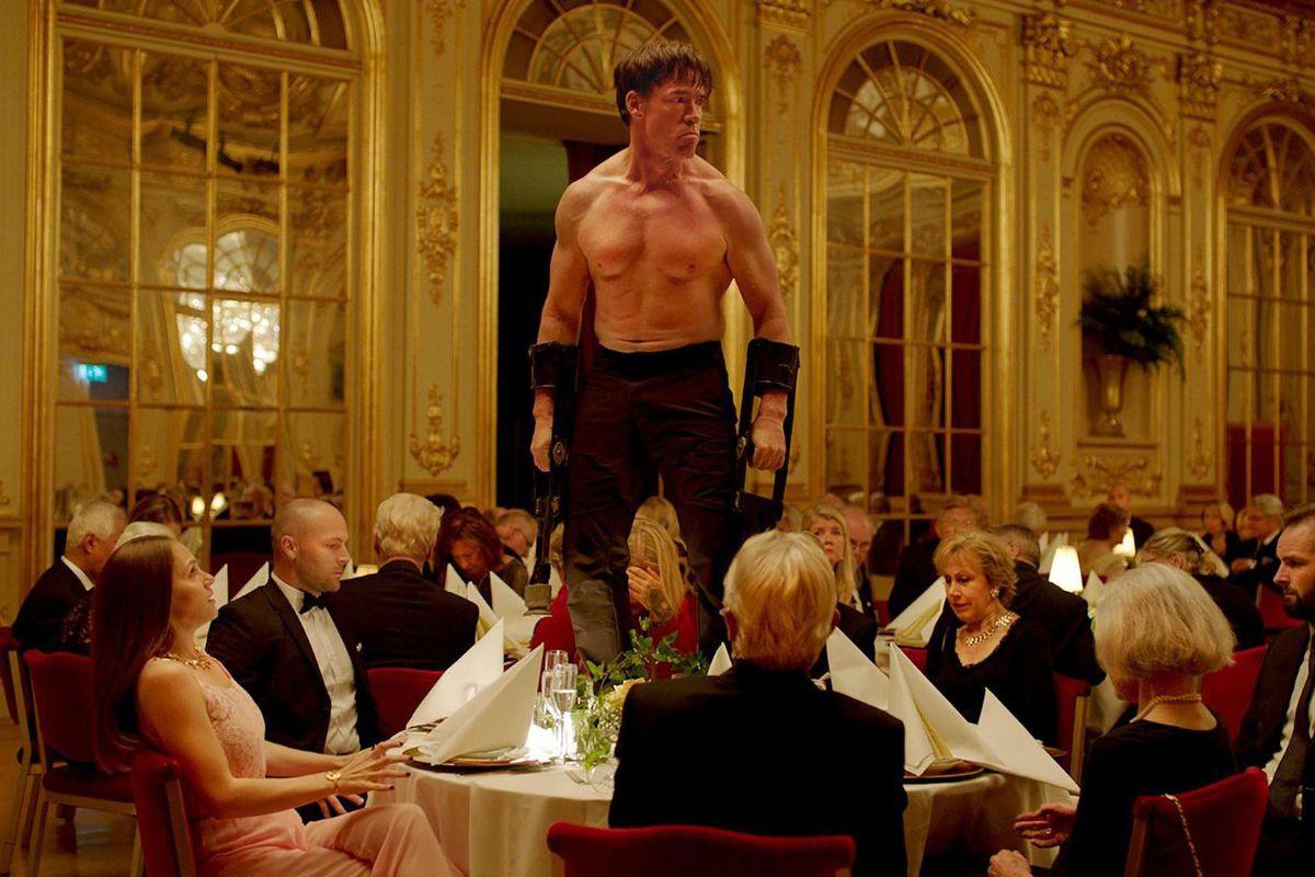 """Cum a fost la """"The Square"""", filmul câștigător al premiului Palme d'Or la Festivalul de la Cannes"""