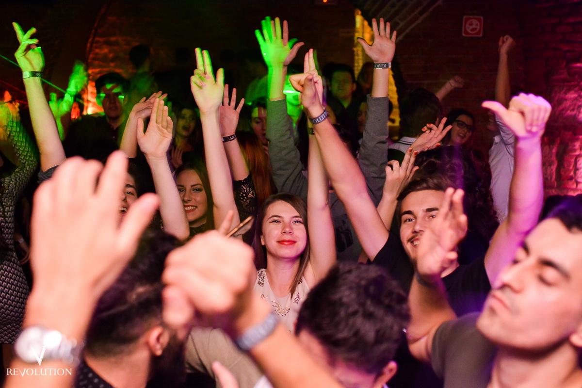 Poze: Revolutionary Night @ Revolution Club