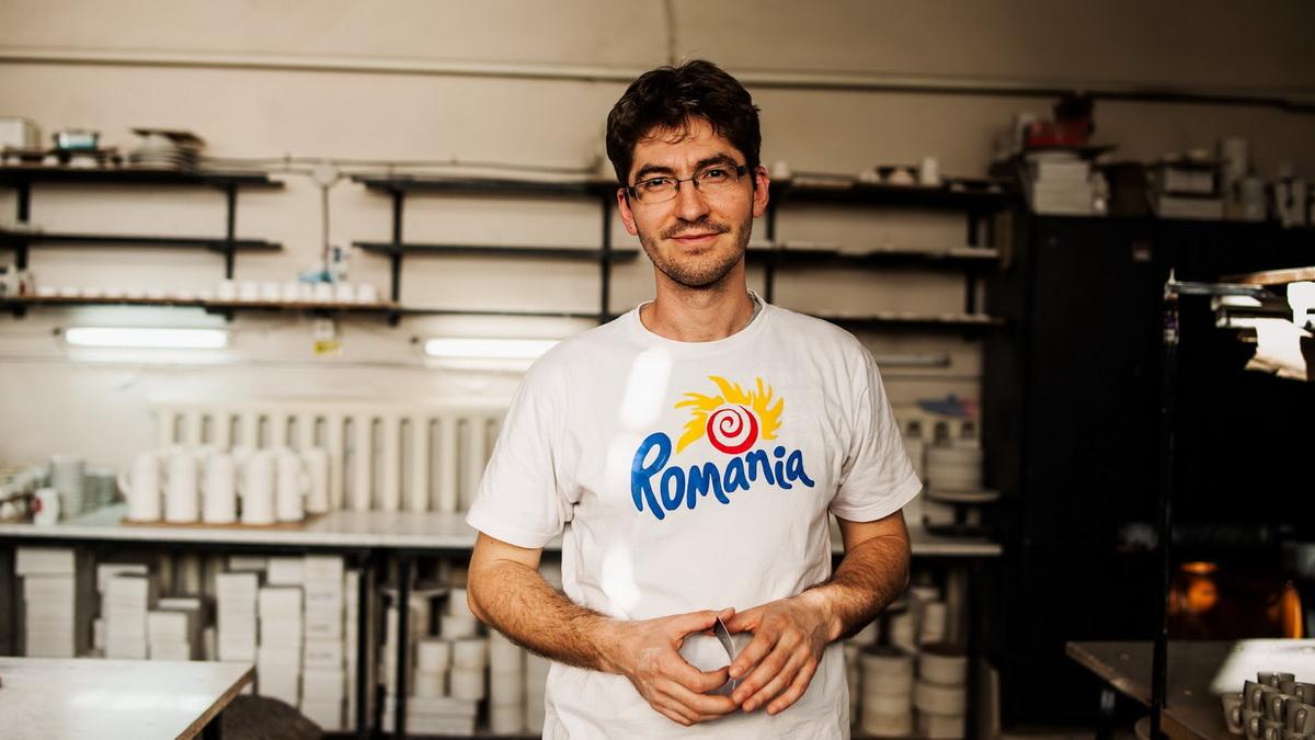 Interviu cu Andrei Gârba, ceramistul care a conceput cănile din multe cafenele clujene