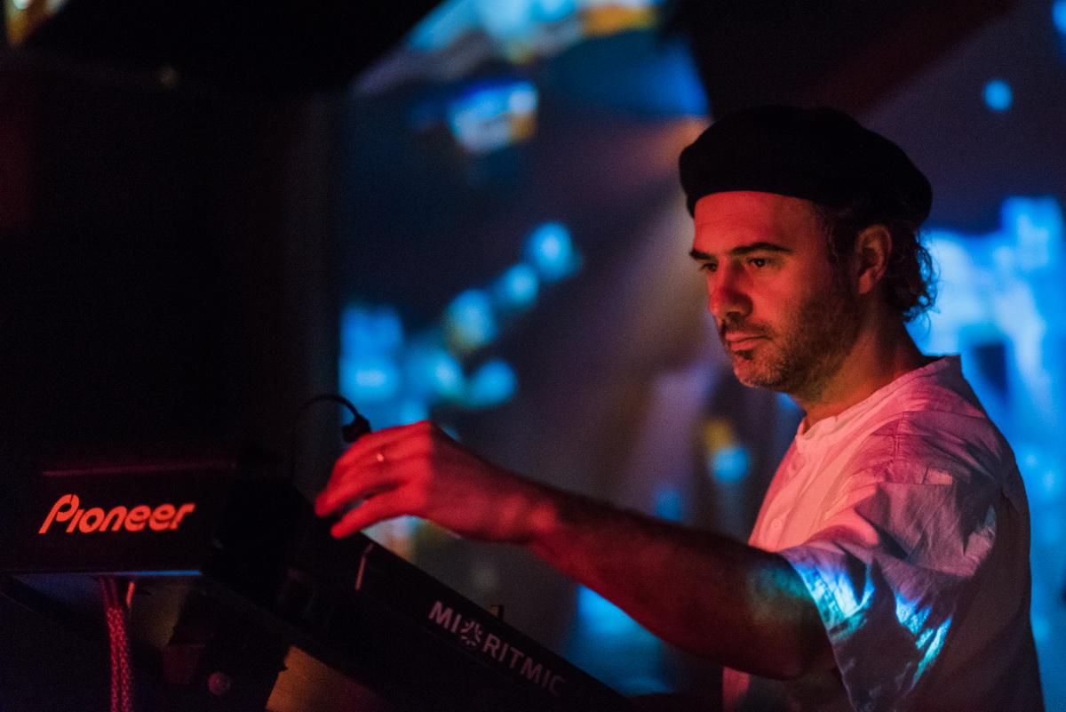 Poze: Petre Inspirescu / Mihigh / Lizz @ Club Midi