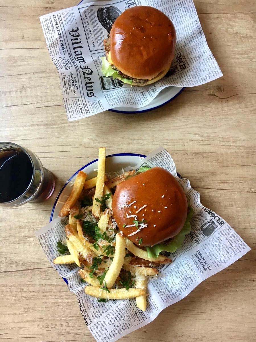 Cum a fost la Meat Up, cel mai recent burger place deschis în oraș