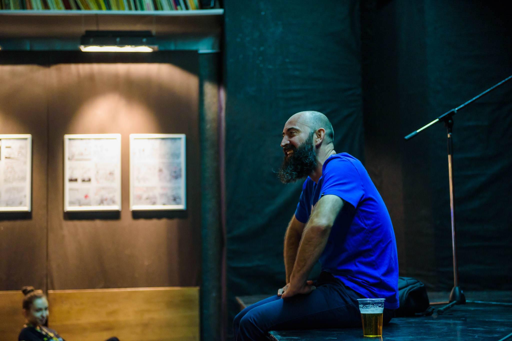 Discuție despre umor cu Călin Petrar, fondator Times New Roman