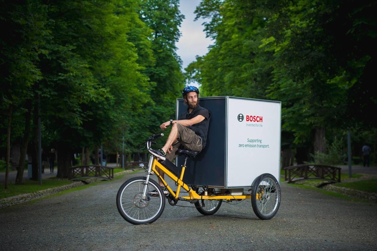 Interviu cu Balazs și Pavel de la Eastride, despre provocările curieratului pe bicicletă