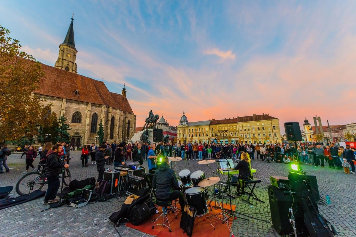 Jazz in the Street ajunge sâmbătă în Piața Unirii. Cine sunt artiștii pe care îi ascultăm în weekend