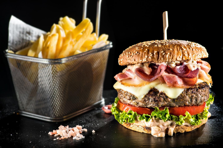 4 dintre cei mai scumpi burgeri din Cluj și care este diferența dintre aceștia și ceilalți burgeri