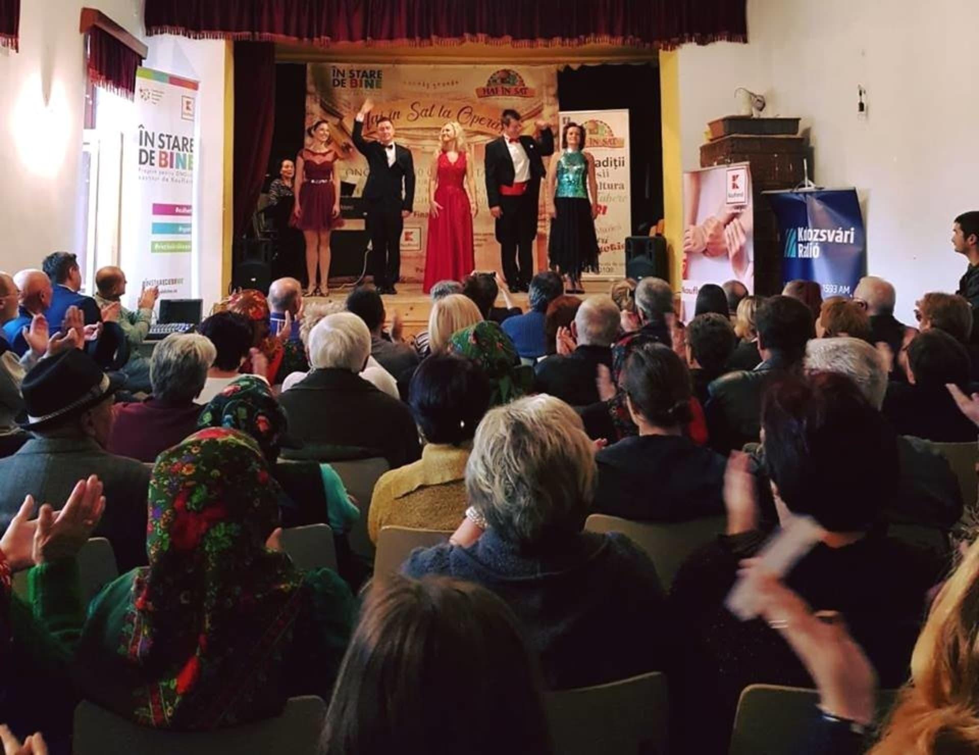 Peste 1200 de oameni din mediul rural, participanți la spectacole de operă organizate în cămine culturale în cadrul proiectului Hai în Sat la Operă!