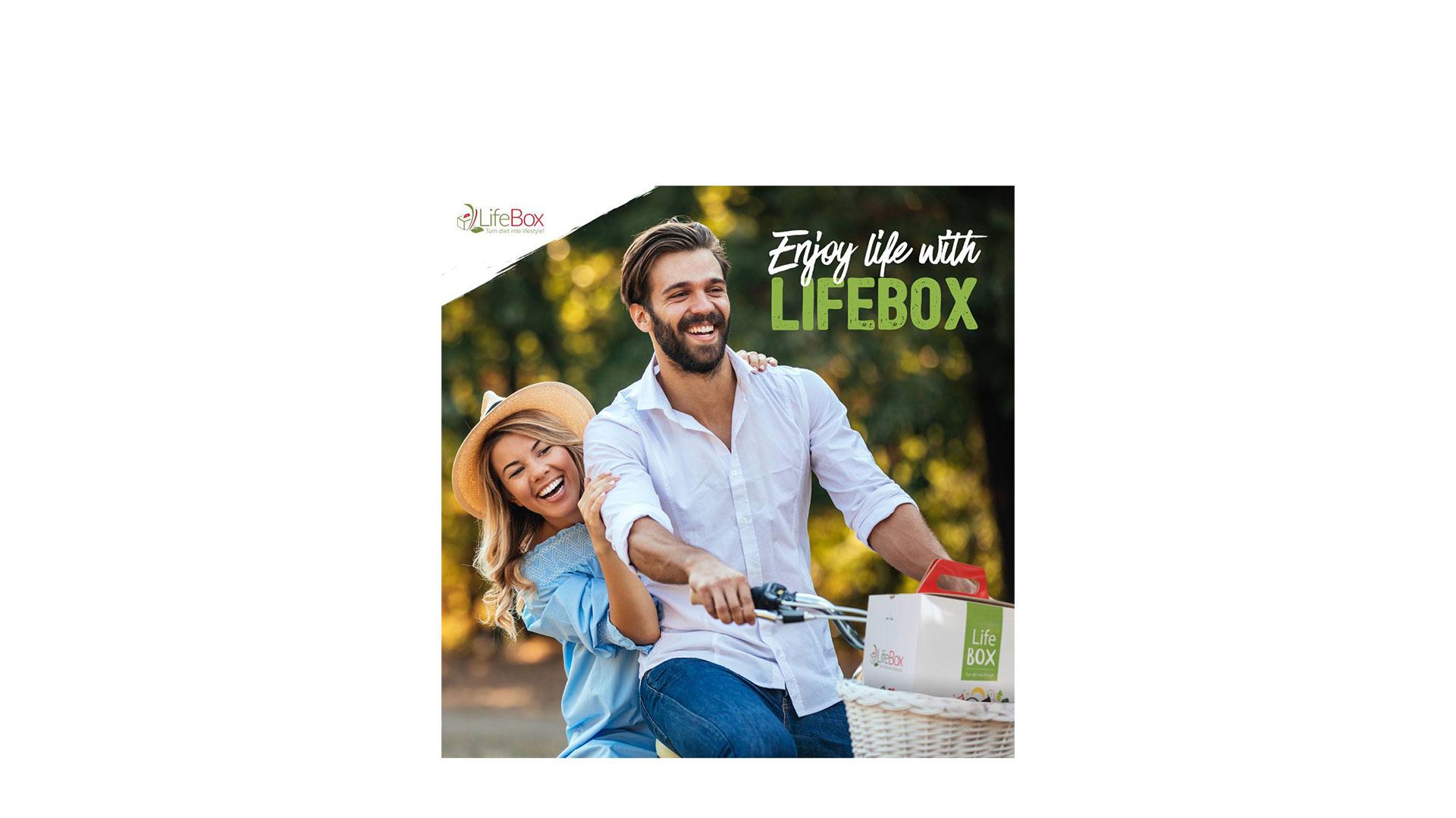 Cum se fac livrările la LifeBox? Interviu cu Mădălina, Alex și Valentin, manageri în departamentele de Customer Care, Marketing și Delivery