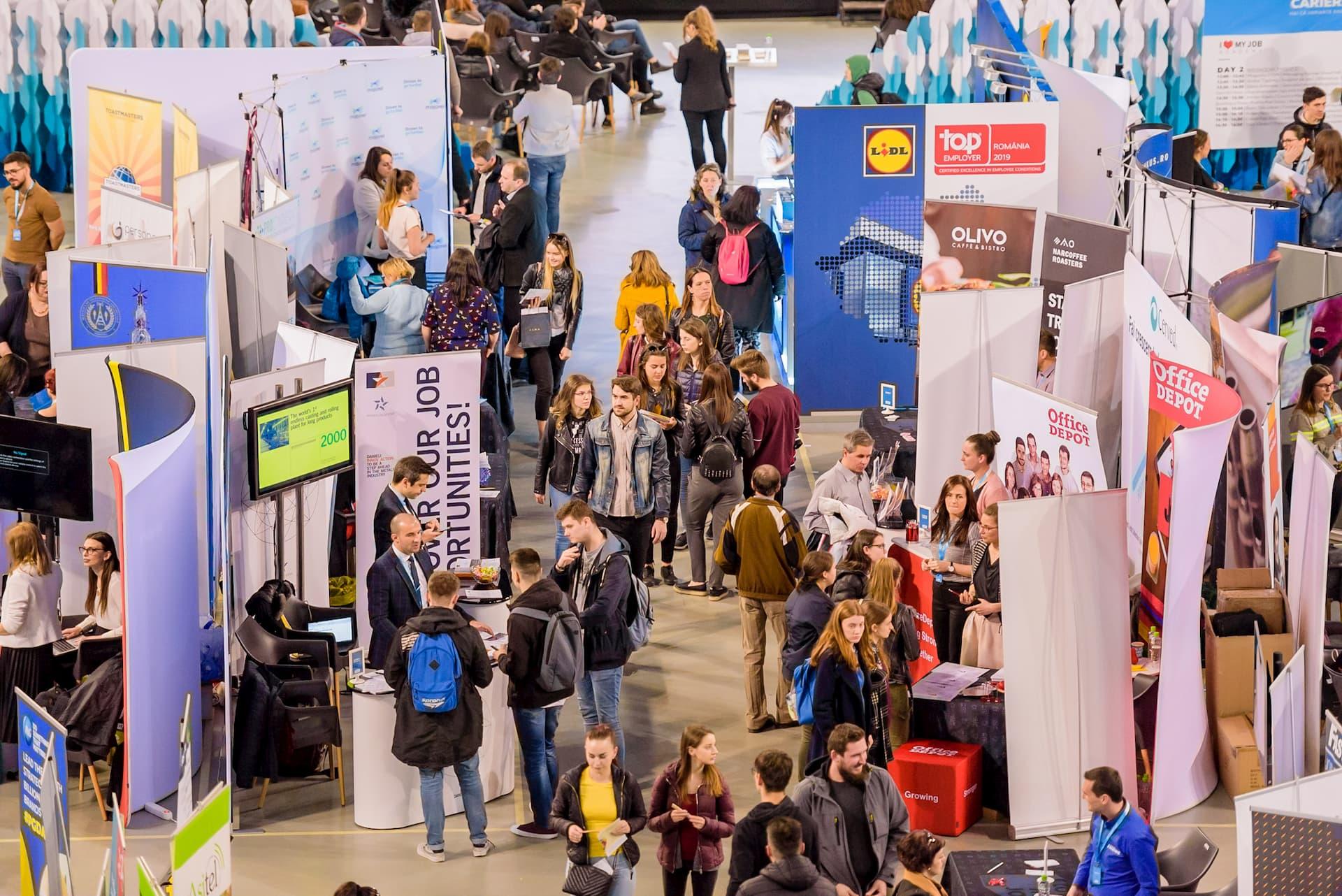 4500 de persoane interesate de piața muncii au participat la Târgul de Cariere Cluj