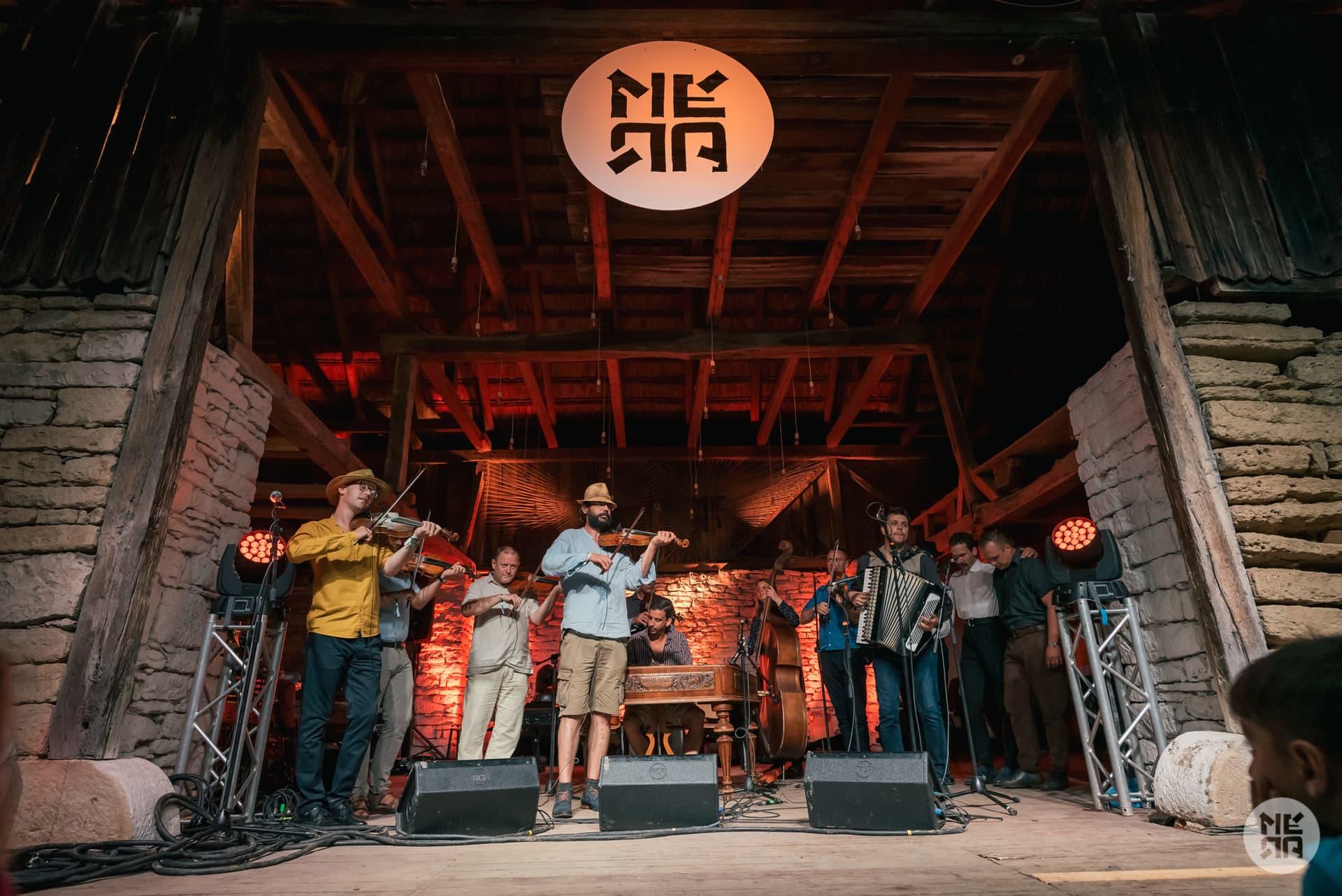 La Festivalul de Șură Mera World Music au participat mai mult de 4000 de persoane