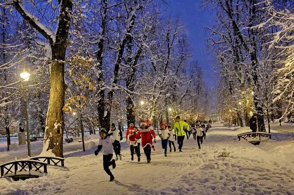 Aleargă-l pe Moș Crăciun