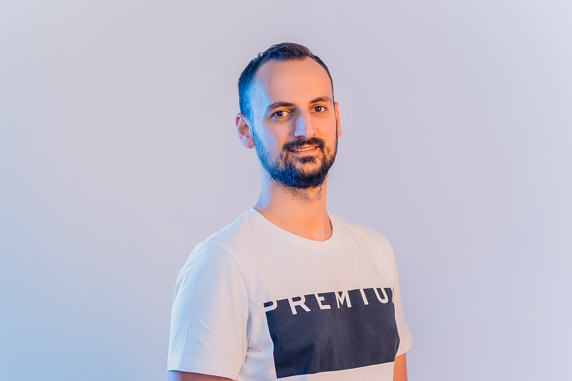 Interviu cu Robert Katai despre digital marketing, disciplină și familie