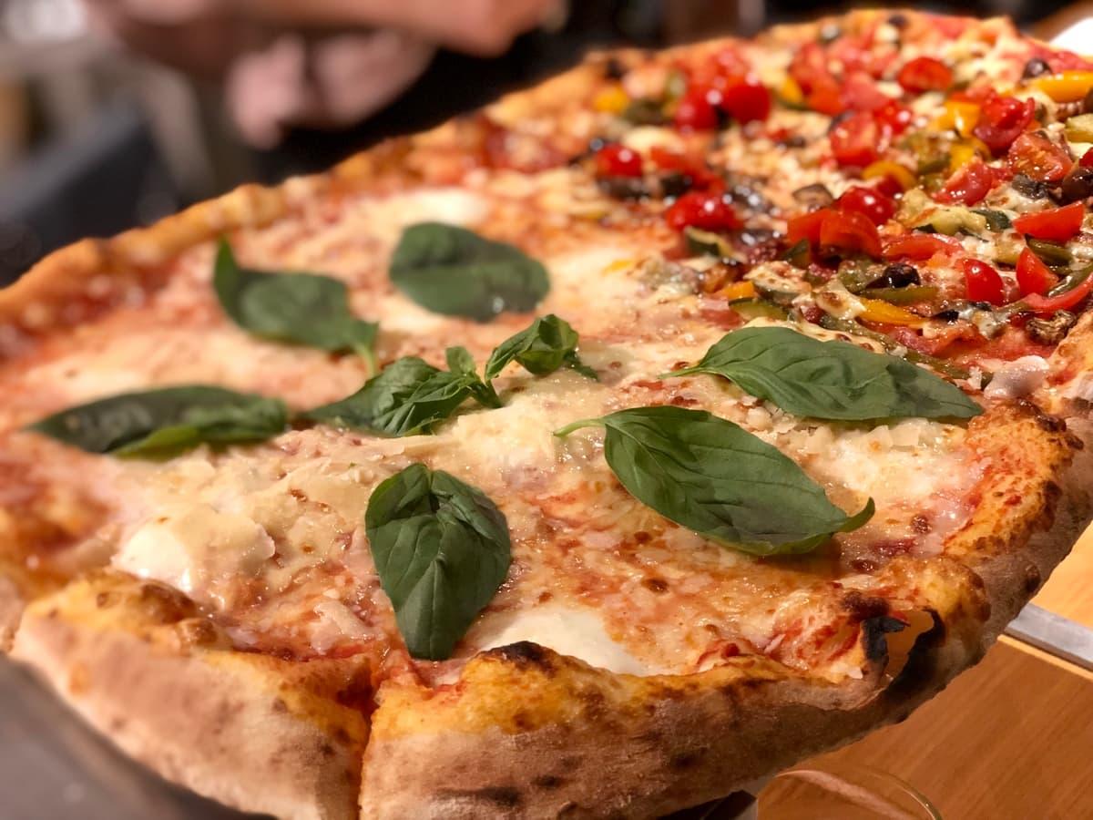 The new pizza experience: cum a fost la cut & crust cu echipa
