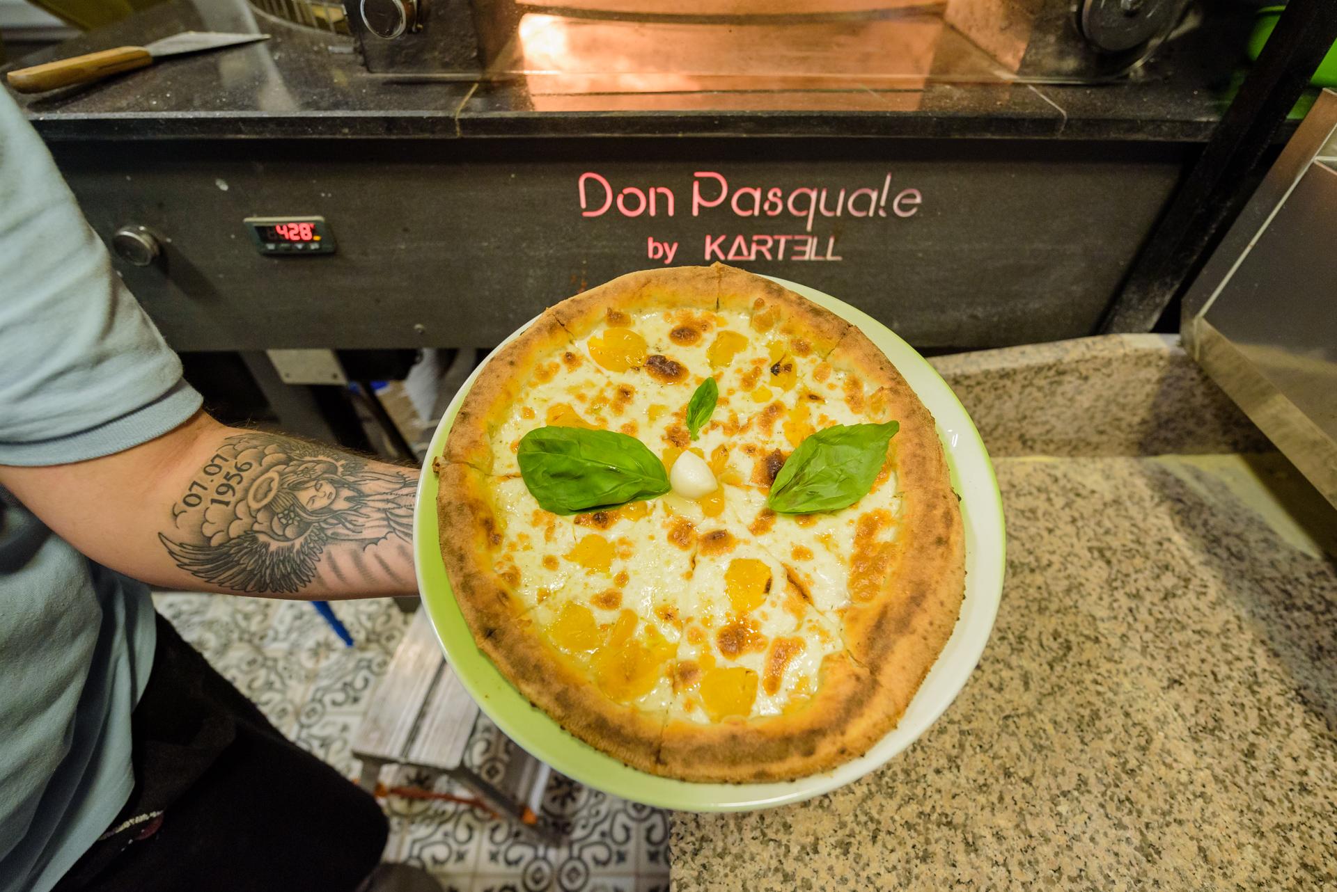 #HowItsMade: Pizza Giallo Del Vesuvio la Don Pasquale