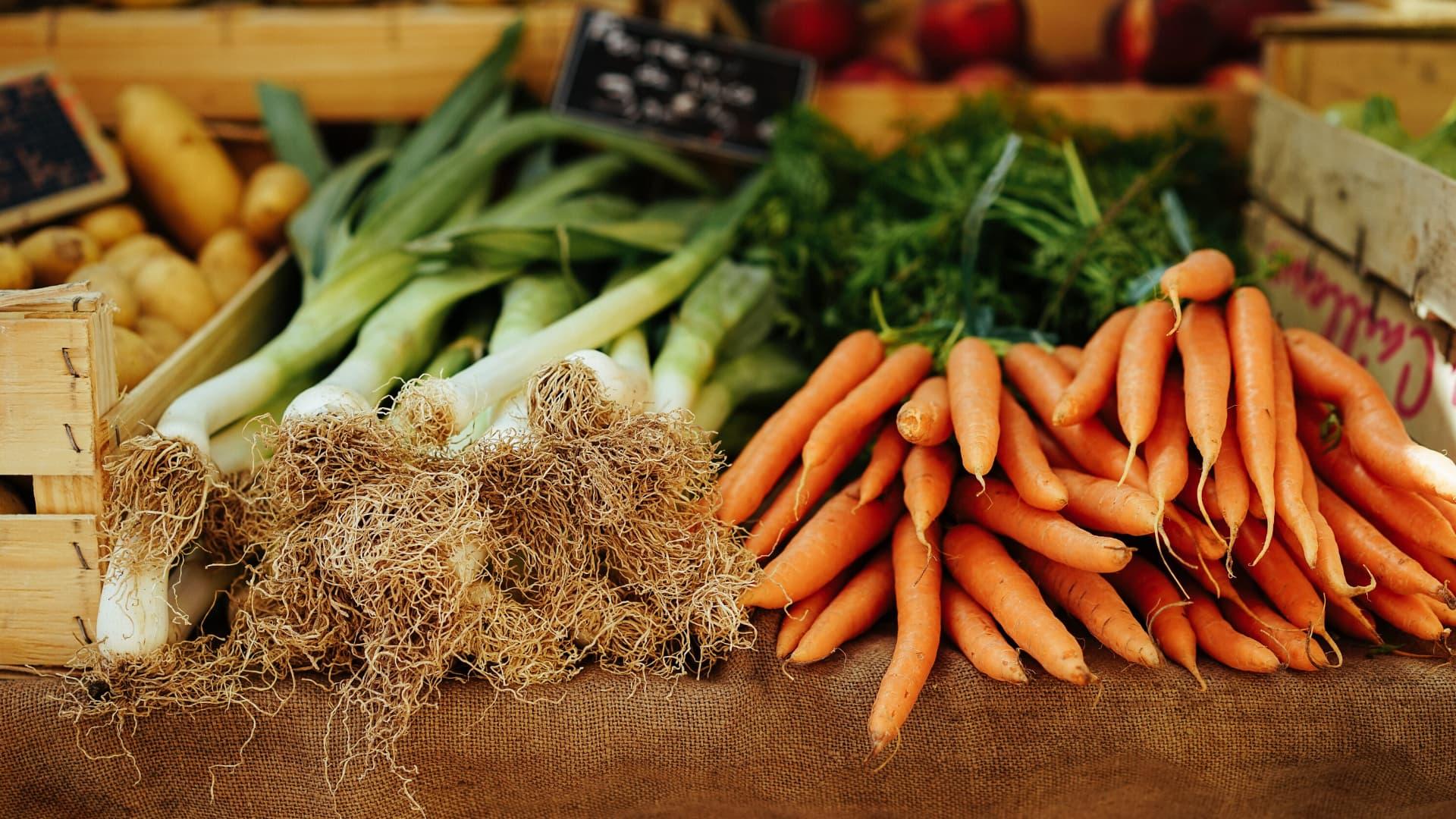 Doza de sănătate livrată acasă. Cutii cu legume, fructe și fresh-uri pe care le poți comanda la domiciliu