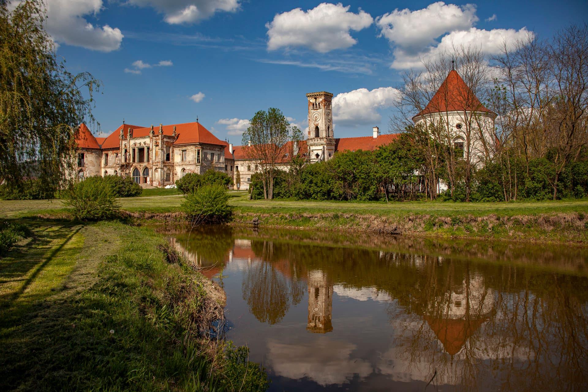 Castelul Bánffy din Bonțida își deschide din nou porțile!