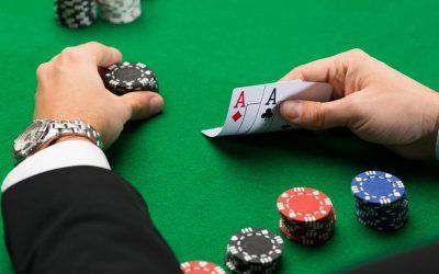 Video Poker sau Poker contra altor jucători? Asemănări și diferențe