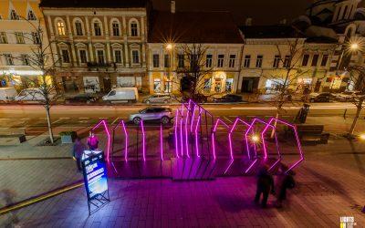 """Lights On lansează competiția de eseuri """"Lights On Words"""",  în parteneriat cu Betfair Romania Development"""