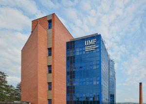 """Cum e să fii student la... Universitatea de Medicină și Farmacie """"Iuliu Hațieganu"""""""