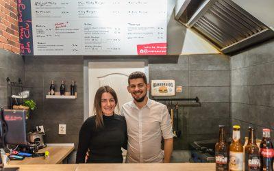 #AfaceriDeFamilie: De vorbă cu Sorin și Tania, ownerii Very Burger, despre primii 3 ani de activitate pe piața de delivery din Cluj
