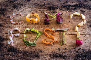 Tot ce trebuie să știi despre compost: un mic ghid către un viitor mai verde