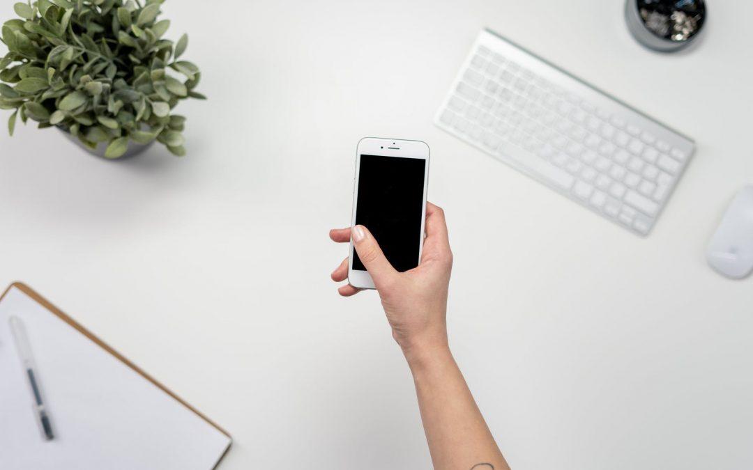 Cum să gestionezi timpul petrecut pe telefon în timpul școlii
